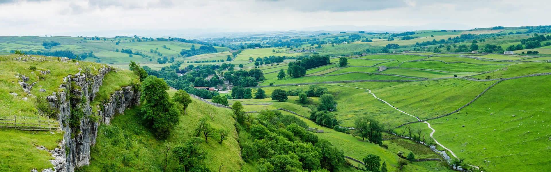 Malham Cove Yorkshire Panorama Valley United Kingdom